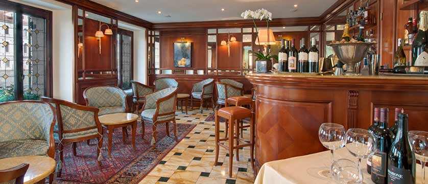 Hotel Palazzo Sant'Angelo, Venice, Italy - bar.jpg